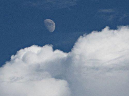 Clouds bw 004