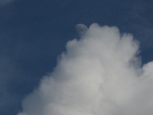 Clouds bw 009