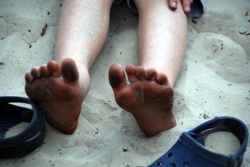 Sandy feet 023